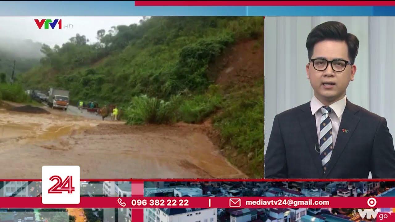 Download Miền Trung lại oằn mình chống chọi với mưa lũ | VTV24