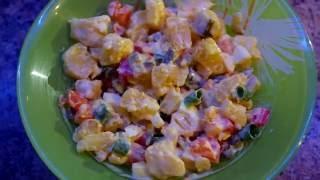 Салат картофельный с яйцами,  перцем, огурцами и домашним майонезом