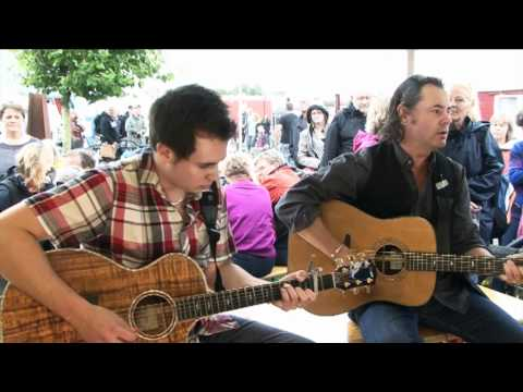 Bruce and Dylan Guthro: The purple heather, acoustic at Tønder festival