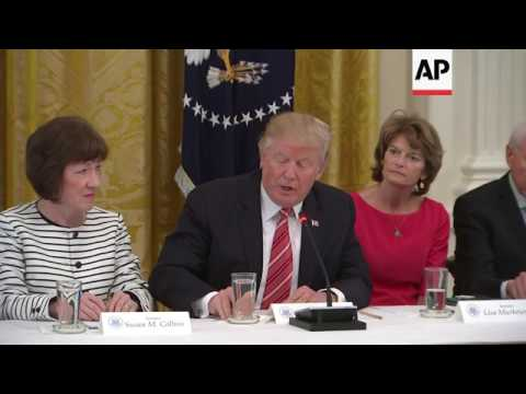 Trump, Pence host GOP senators in health bill fight