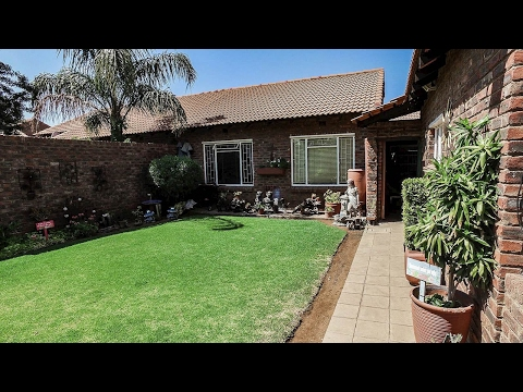 3 Bedroom Townhouse for sale in Northern Cape | Kimberley And Diamond Fields | Kimberle |