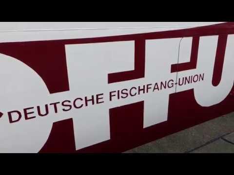 """Taufe der Trawler """"Cuxhaven"""" und """"Berlin"""" (Cuxhavener Nachrichten/Niederelbe-Zeitung)"""