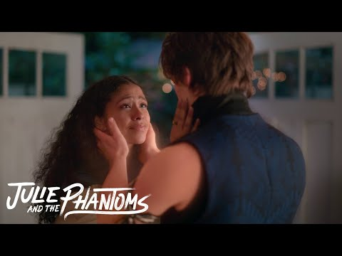 Julie and the Phantoms - Julie find the boys in the studio without crossing over (Episode 9)