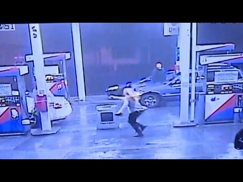 Student Escapes Kidnapper After He Hopped Into Her Car at Gas Station