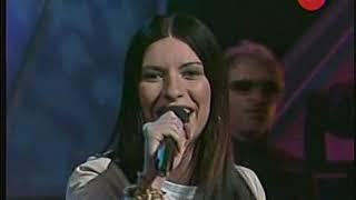 Laura Pausini canta Mi banda toca rock en Sabado Gigante