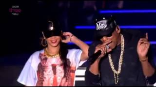 Video Rihanna ft. Jay z Run this town, Talk that talk and Umbrella live at  Hackney download MP3, 3GP, MP4, WEBM, AVI, FLV Juni 2018