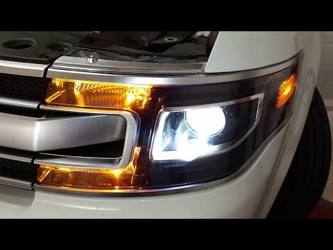 - Ford Flex SUV - Testing Headlights After Changing Burnt Out Xenon HID Bulb