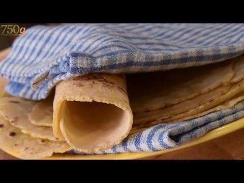 recette des galettes pour fajitas ou tortillas maison 750 grammes youtube. Black Bedroom Furniture Sets. Home Design Ideas