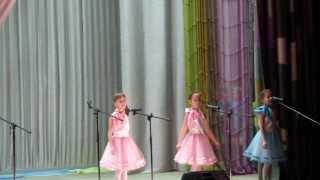 Робот Бронислав. Концерт посвященный 8 марта.