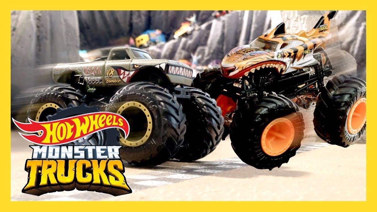 Hot Wheels Cars vs. Monster Trucks on Epic Loop Mountain ...