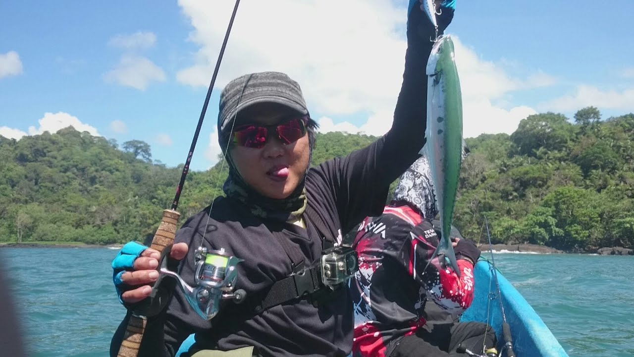 Ultralight fun fishing nusakambangan youtube for Ultralight fly fishing