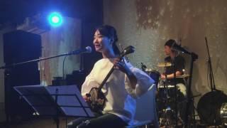 2017.01.13 This&That Café Vol.31 里アンナ 唄、三線 佐々木俊之 ドラム.