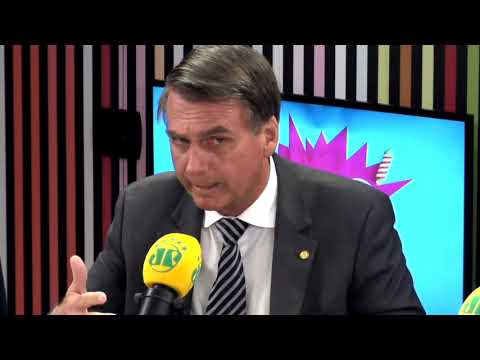 """Jair Bolsonaro fala sobre segurança pública e lotação em presídios: """"Bota um em cima do outro!"""""""