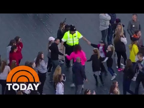 Police Dance With Audience At Ariana Grande's Manchester Benefit Concert | TODAY Mp3