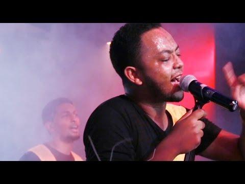 Jano Band - [Ayenema Wedajish] live at H2o New Ethiopian Music (Official HD Music Video)