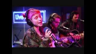 Paramore - Matilda (Alt j cover) BBC Radio 1 live lounge (high quality audio)