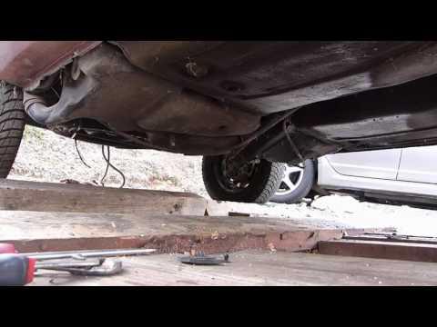 Comment démonter le réservoir de carburant sur Citroën AX