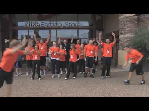 59786fc1e Nike Woodburn Factory Cheer 13 Million - YouTube