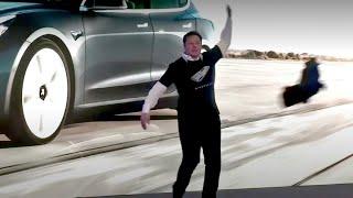 Elon Musk starts dancing to Elvis' music!