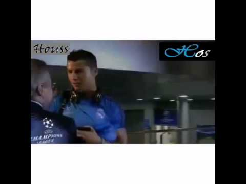 Real Madrid vs PSG - Cristiano Ronaldo Talks With Florentino Pérez
