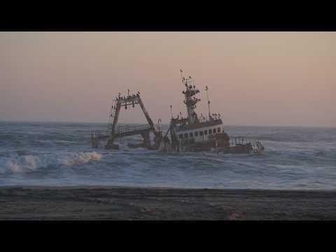 P6252568   Gestrand schip aan Skeleton Coast