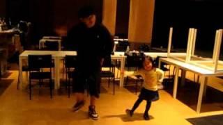 大阪、中崎町のダンススクールダンディライオンのリトミッククラス! 3...
