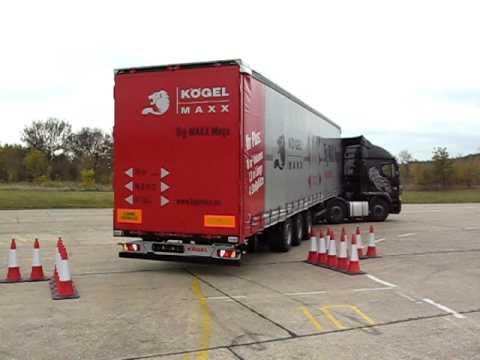 Big-Maxx longer semi-trailer reversing