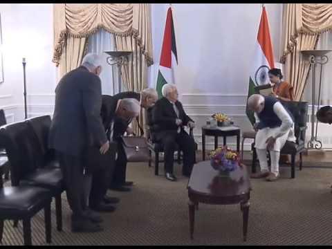 PM Modi meets Mahmoud Abbas, President of Palestine