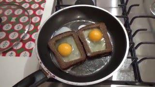 Горячий бутерброд с яйцом и сыром. hot sandwich with egg and cheese