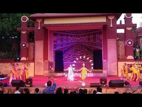 Vrindavan Mein Gopi Aayo - Anvita Performing as Krishna at Uma Sharma Maharaas Leela program