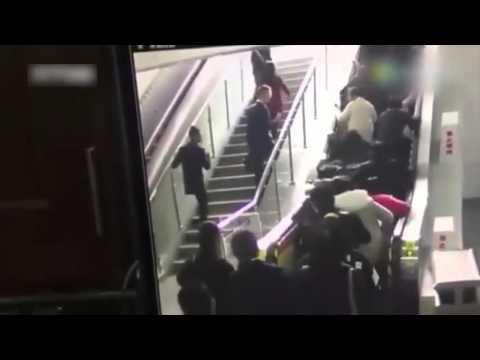 ¡Escaleras mecánicas malditas! Otro accidente deja diez heridos