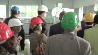 Prohlídka probíhající rekonstrukce krytého bazénu v Zábřehu zástupci Olomouckého kraje