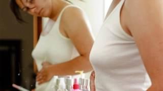 видео Первые признаки беременности до задержки месячных