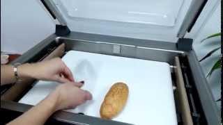 Упаковка хот-дога в вакуумный пакет(, 2015-03-26T14:22:46.000Z)