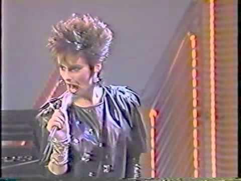 Soul Train 85' Performance - Sheena Easton -...