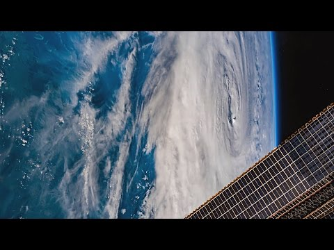 ISS Timelapse - Tropical Cyclone Debbie (27 Marzo 2017)