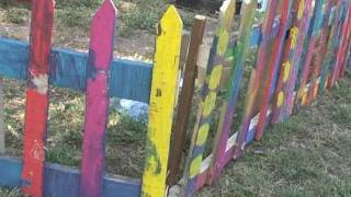 How To Build A Picket Fence Out Of Old Pallets (168)