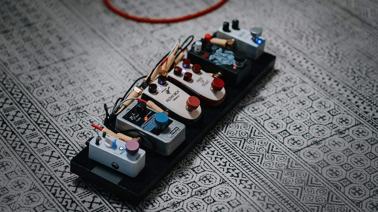 a rechargeable pedalboard boxking pedalboard power supply review youtube. Black Bedroom Furniture Sets. Home Design Ideas