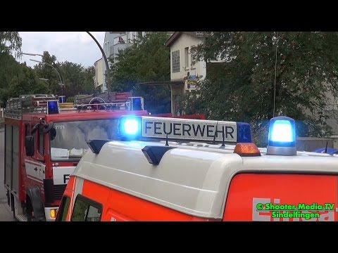 [E] - ZIMMERBRAND IN SINDELFINGEN - Feuerwehr Böblingen unterstützt mit Drehleiter die Löscharbeiten