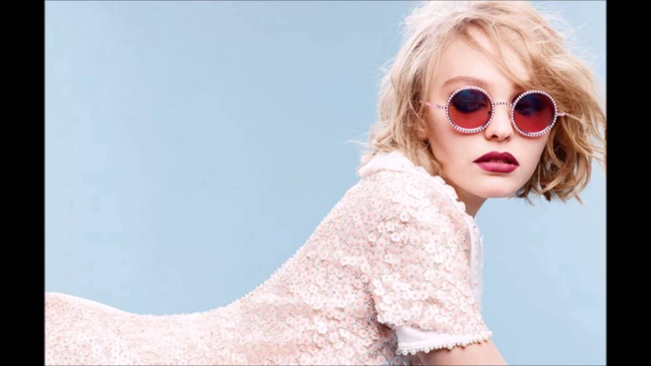 Lily rose depp sexiest pictures youtube - Lily rose prenom ...