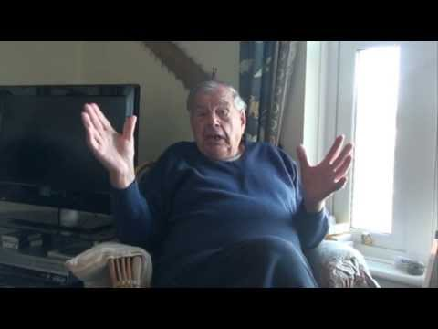 Reg Little talks about his life in Kingswear from 1932 to the present day. (38 minutes)