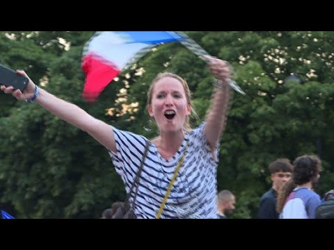 Mondial: les Français fous de joie, de Bondy aux Champs-Elysées