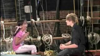Justin Bieber-rel interjút készít egy 11 éves kislány (vicces) magyar felirattal