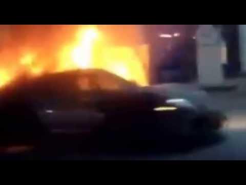 Shocking Video Porsche 918 On Fire At Toronto Gas Station