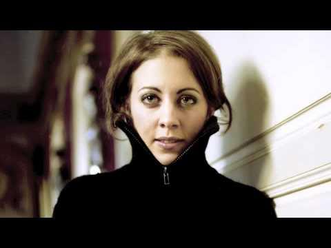 Marina Chiche plays Zigeunerweisen Sarasate