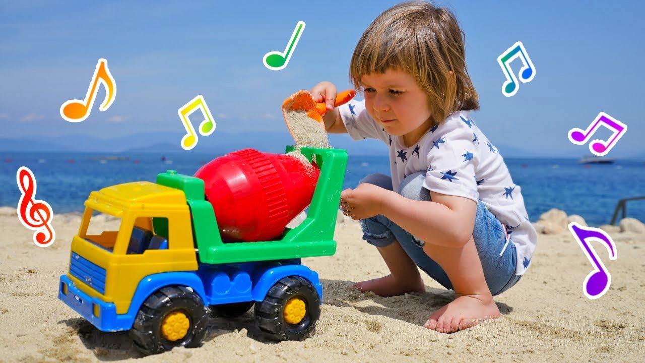 Детские песни для Бьянки: про бетономешалку, качели и кошку! Сборник песенок для малышей