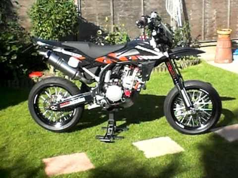 2008 husqvarna sm510r with twin leo vince 3 youtube. Black Bedroom Furniture Sets. Home Design Ideas