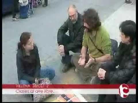 Clases en la plaza de Santiago Villena (Alicante) (Tv Intercomarcal)  28-02-2012 .wmv