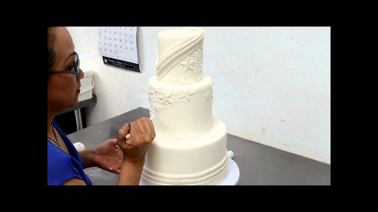 Designing Tutorial of a Beautiful Wedding Cake in Sugar Icing - YouTube