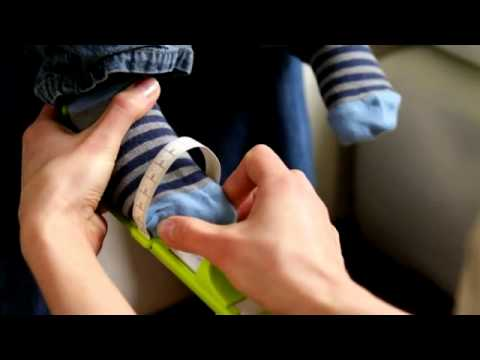 0d84957d7c78a How To Use Clarks Toddler Foot Measuring Gauge